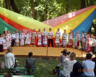 Детский фольклорный ансамбль «РОДНИЧОК»